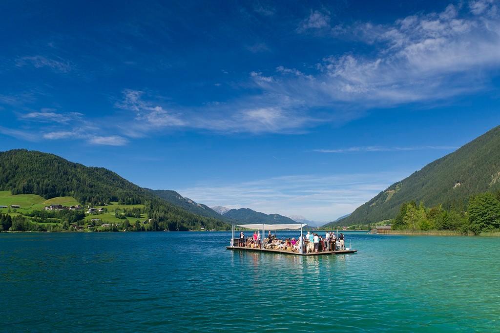 Flossfahren auf dem Weissensee in Kärnten